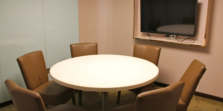 4. Sino Life Meeting Room